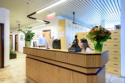 Hausarzt-Rottenburg-Kessler-Praxis-Empfang