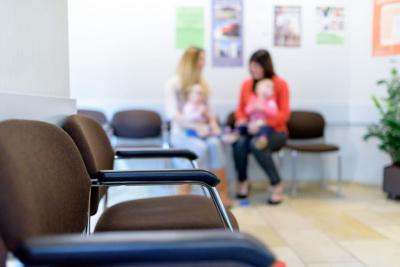 Hausarzt-Rottenburg-Kessler-Praxis-Wartezimmer
